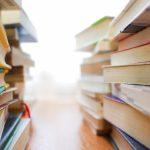 本を読むことで常識が壊せる。自分のまわりにない価値観を知ることができる。