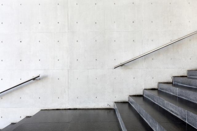 時間がなくて運動できない人こそ階段をつかいましょう!
