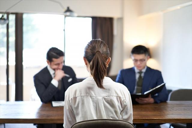 税理士業界から事業会社への転職。経験を活かせるけど慎重に。